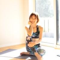 Ayakaの動画で自宅でオンライントレーニング