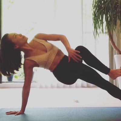 Yurikoの動画で自宅でオンライントレーニング